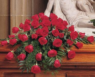 Blooming Red Roses Casket Spray</div
